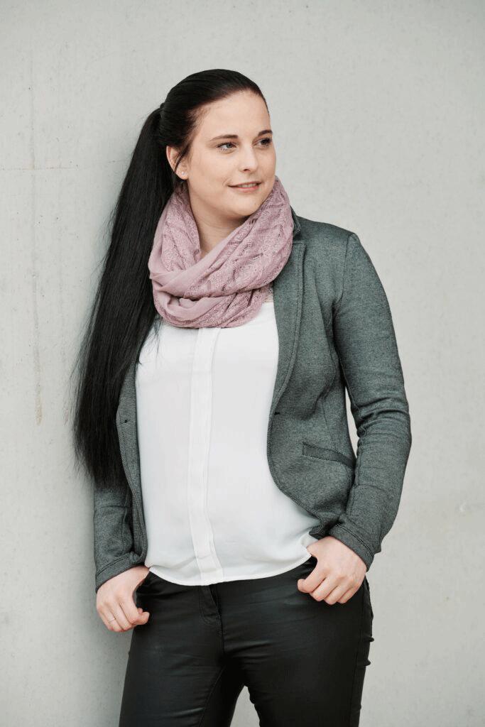 AZwoa-Marketing-Theresa